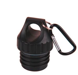 Produktbild des Poly-Loop-Verschlusses von ECOtanka in schwarz aus PP5, und zusätzlichen Karabinerhaken. Ideal bei Outdoor Aktivitäten um die Trinkflasche bequem mit dem Karabinerhaken an Rucksäcke und Sporttaschen dran zu hängen.