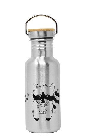 Produktbild der 600ml einwandigen Trinkflasche aus Edelstahl mit Waschbär-Motiv von ECOtanka mit Edelstahl-Bambus-Verschluss, unbehandelten Bambusplättchen und einem silbernen Tragebügel aus Edelstahl, Der robuste Begleiter für unterwegs