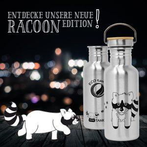 Bild der 600ml einwandigen Trinkflasche aus Edelstahl mit Waschbär-Motiv von ECOtanka mit Edelstahl-Bambus-Verschluss, unbehandelten Bambusplättchen und einem silbernen Tragebügel aus Edelstahl, Der robuste Begleiter für unterwegs