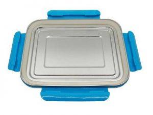 Produktbild der 2,0l Brotdose aus Edelstahl in Silber von ECOtanka mit Verschlussrahmen in Blau und zusätzlicher Dichtung. Ideal für einen sicheren Transport oder zur Aufbewahrung von Lebensmitteln. Luftdicht verschlossen für eine langanhaltende Frische.