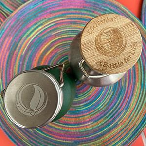 Bild des ECOtanka Edelstahl Bambus Verschluss und Edelstahl Wave Verschluss für die Edelstahl Trinkflaschen 0,35l bis 1,2l, perfekt um deine Getränke dicht zu verschließen