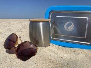 Edelstahl Produkte am Strand